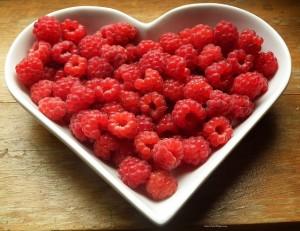 raspberries-215858_640